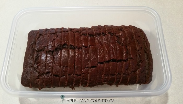 how to slice double chocolate zucchini bread
