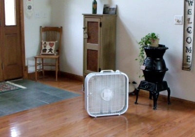 How to keep cool without central air! Pin now so you can read it later!