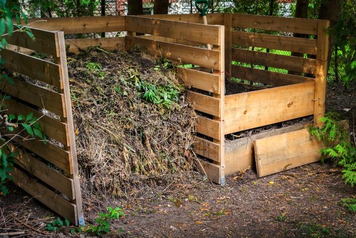 backyard composting diy pallet composter