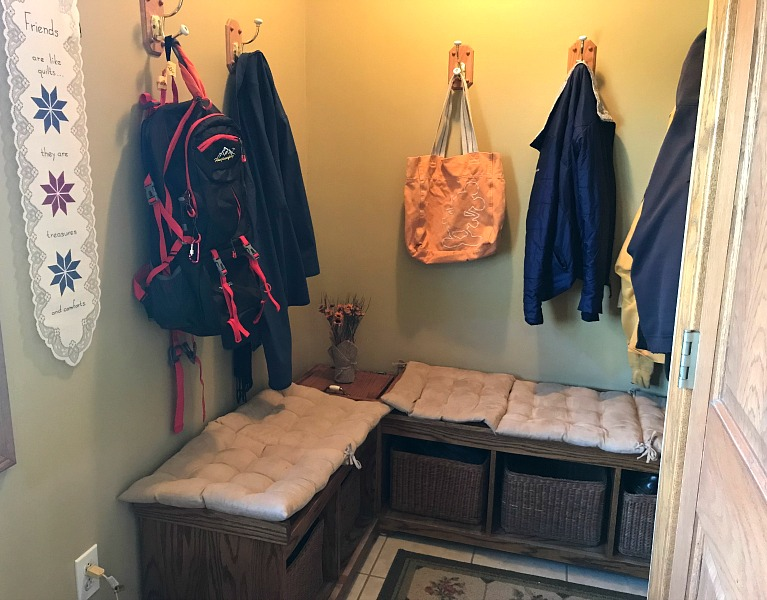 a mudroom. 10 minute decluttering tasks