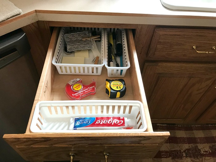 junk drawer. 10 minute decluttering tasks
