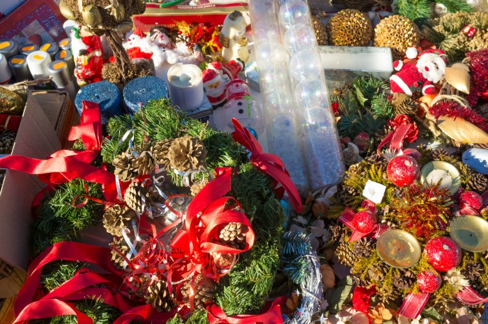 how to easily declutter holiday decorations