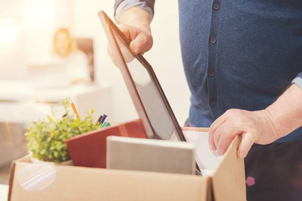 packing a box. decluttering rules for beginners